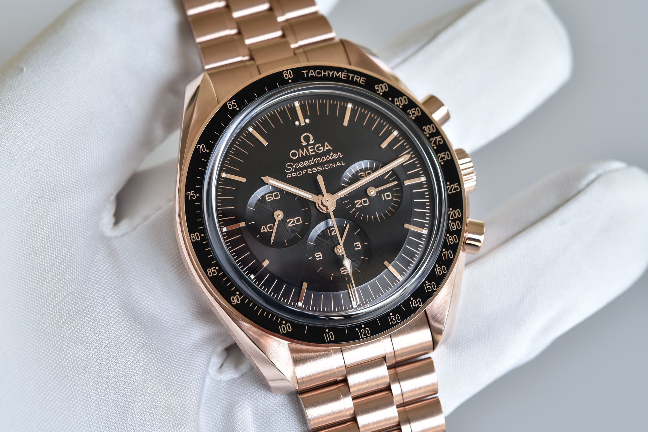 2021 Omega Speedmaster Moonwatch Profressional Co-Axial Master Chronometer Sedna Gold - 310.60.42.50.01.001