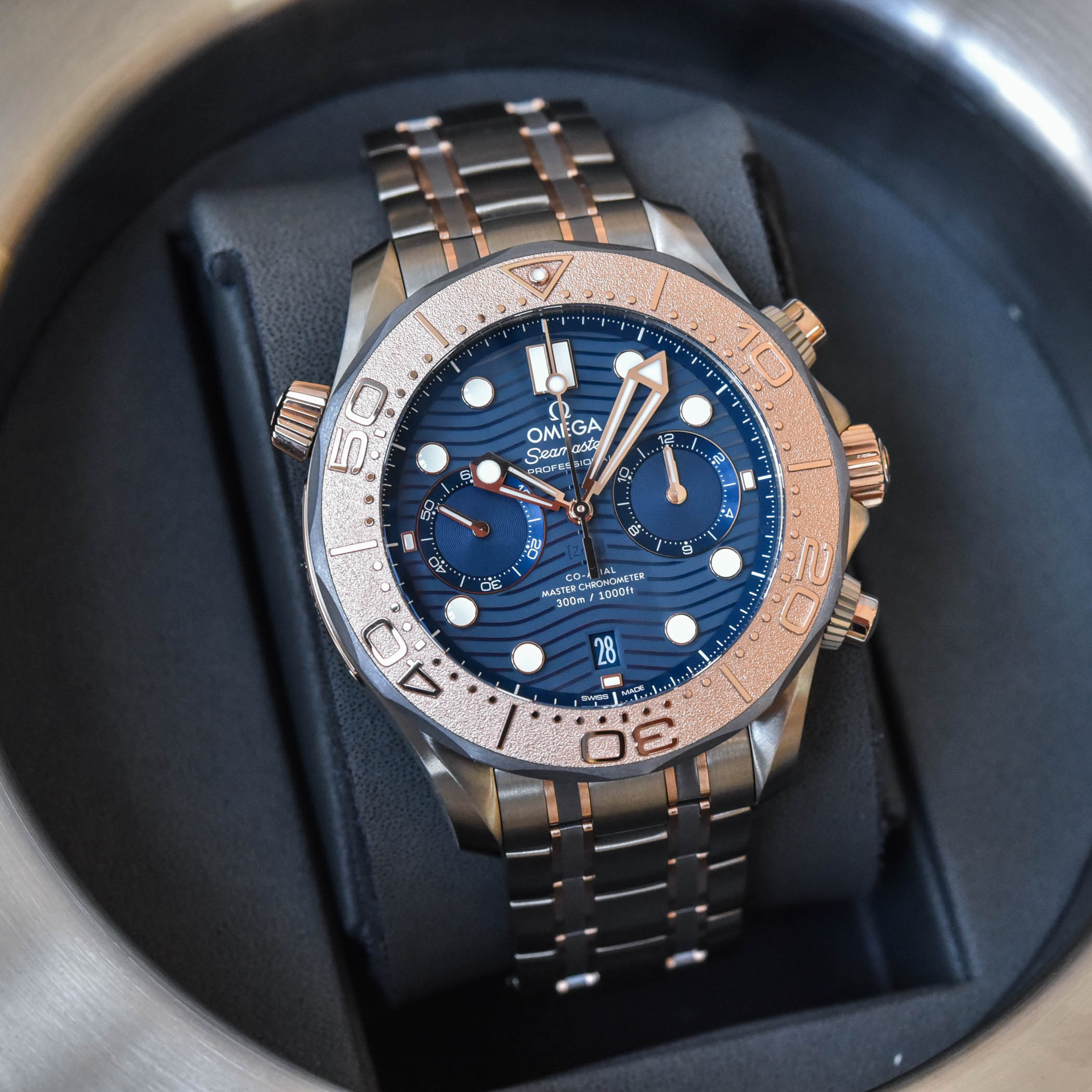 Omega Seamaster Diver 300M Chronograph tri-metal Titanium Tantalum Gold - 2