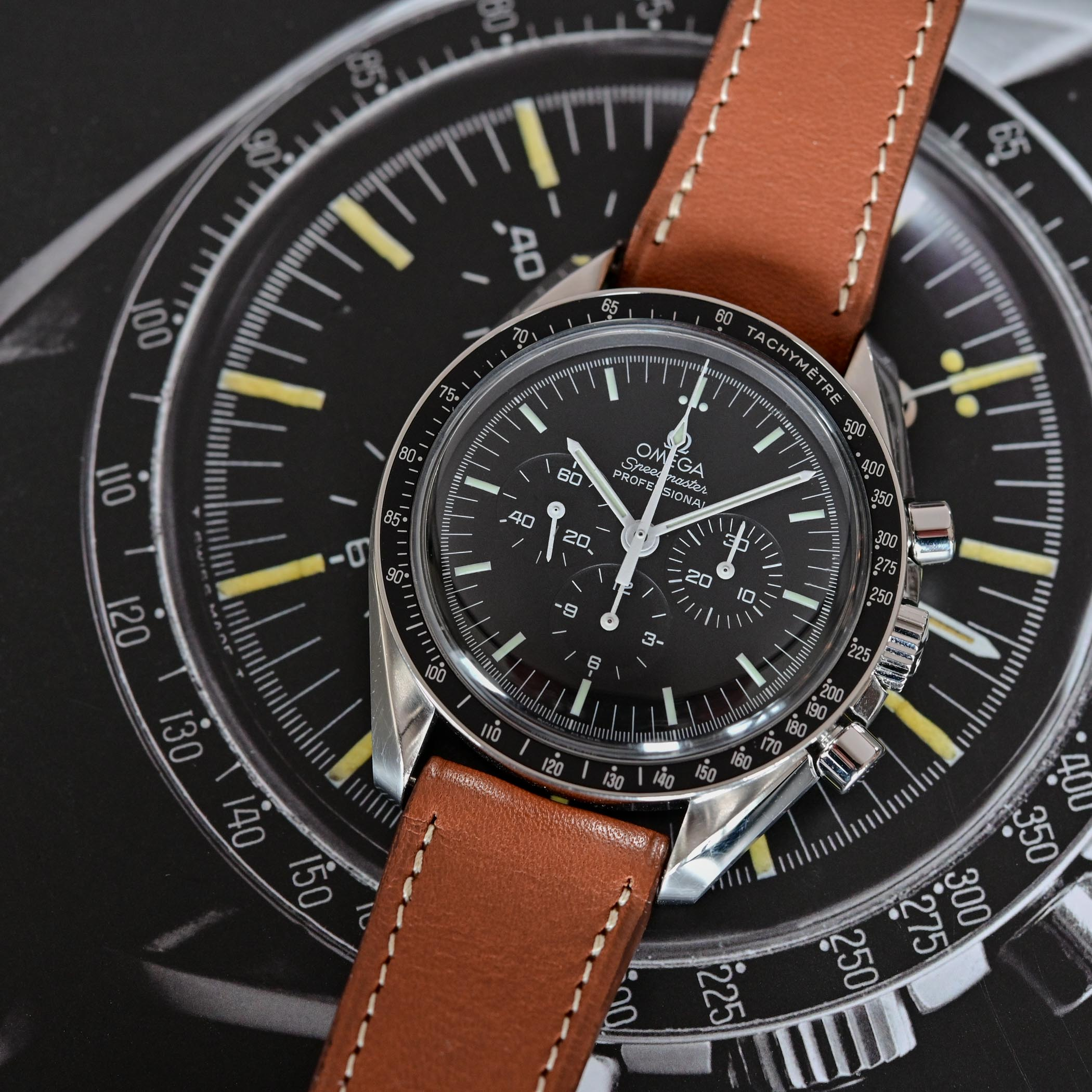 Omega Speedmaster Moonwatch Professional 1861 - comparative review - 1