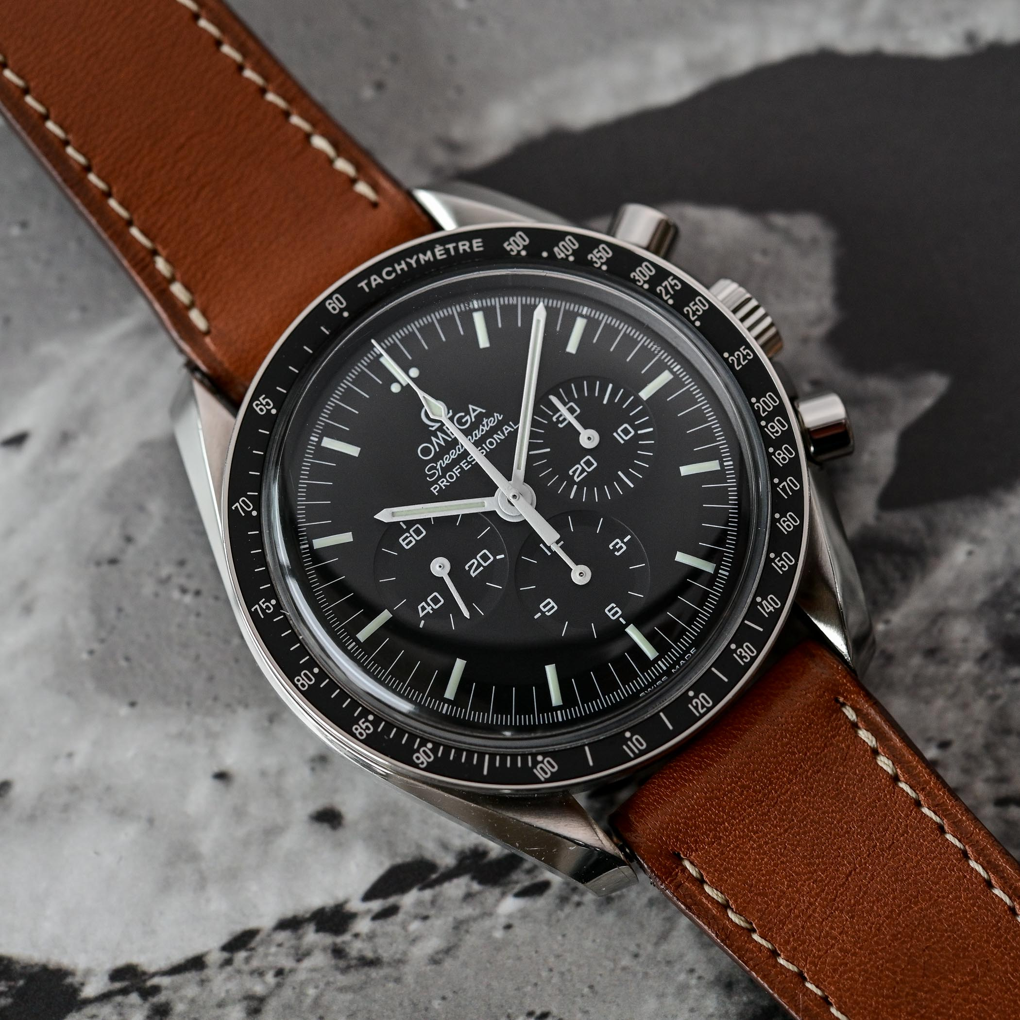 Omega Speedmaster Moonwatch Professional 1861 - comparative review - 13