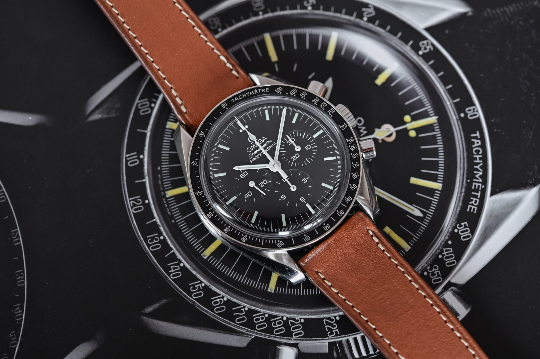Omega Speedmaster Moonwatch Professional 1861 - comparative review - 2