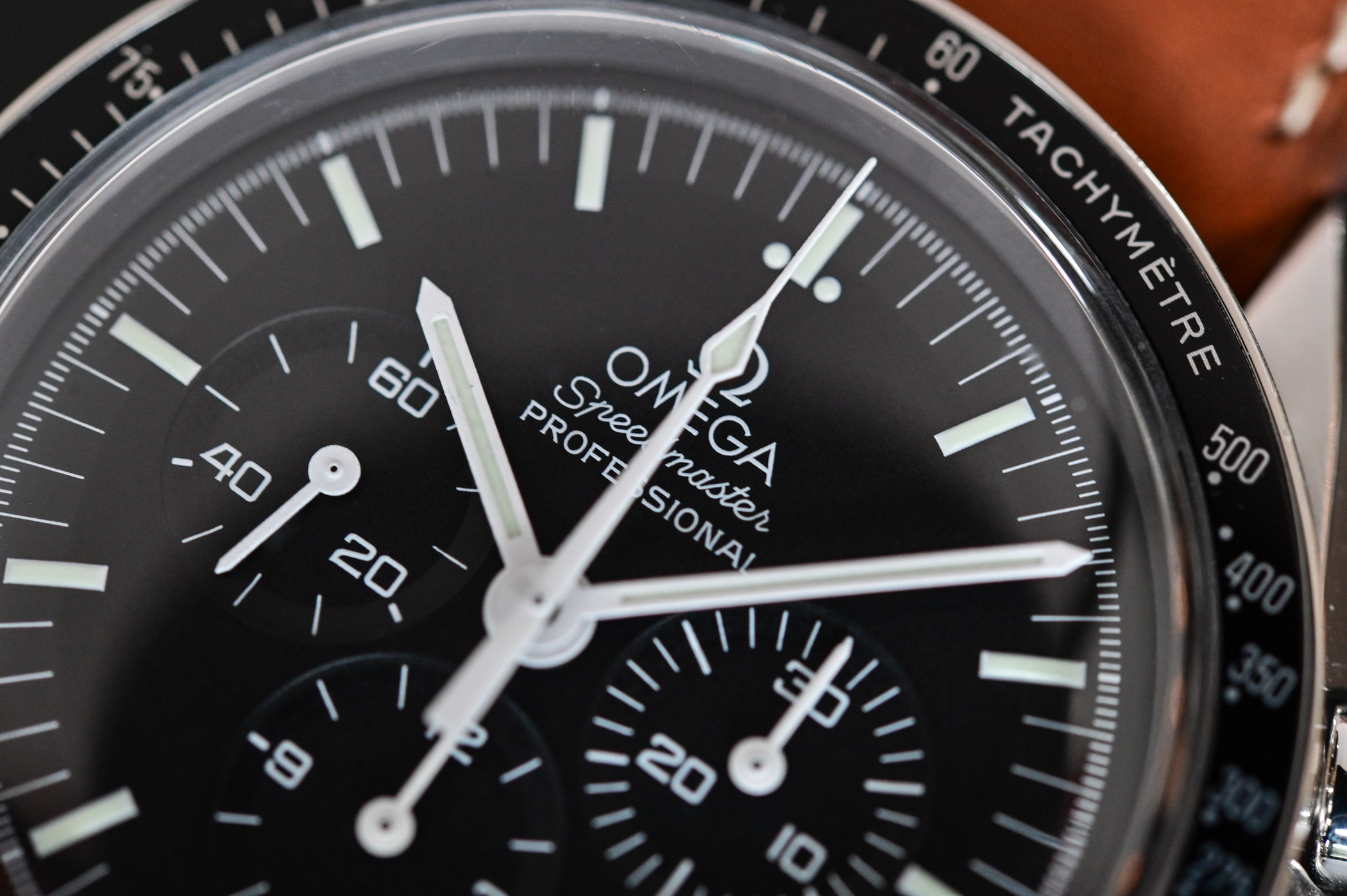 Omega Speedmaster Moonwatch Professional 1861 - comparative review - 5