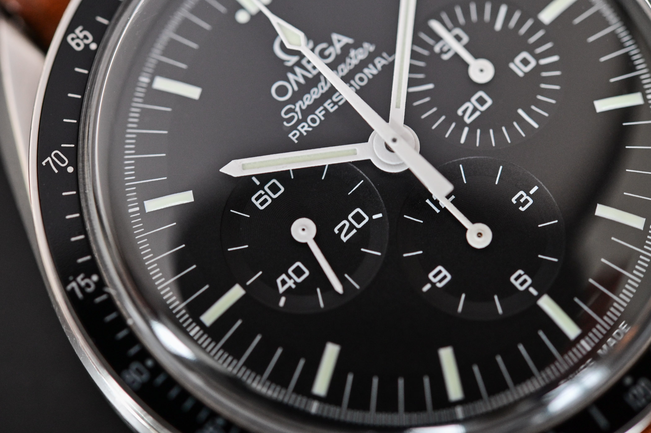 Omega Speedmaster Moonwatch Professional 1861 - comparative review - 6