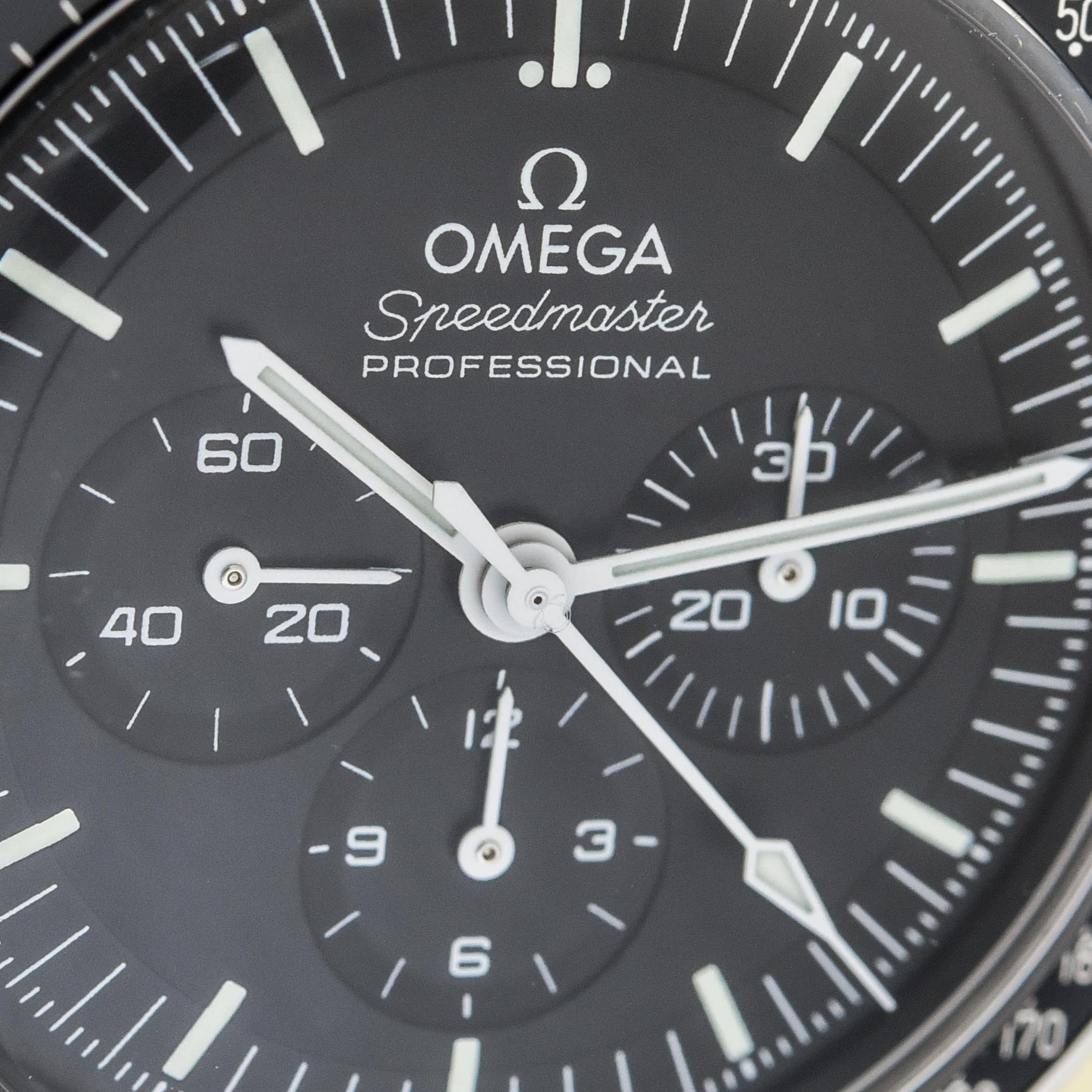 Omega Speedmaster Moonwatch Professional Master Chronometer Co-Axial 2021 - review - 25
