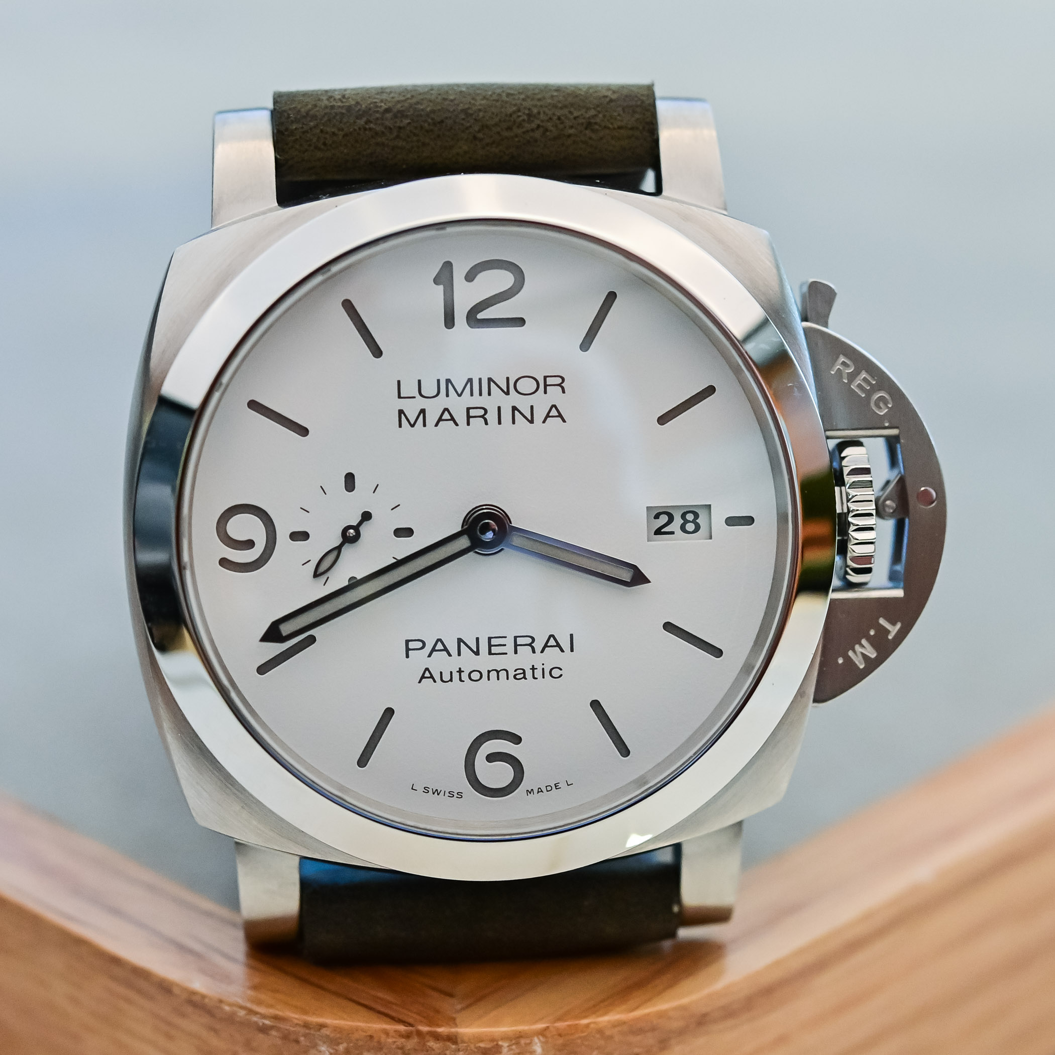 Panerai Luminor Marina 44mm PAM01314 white sandwich