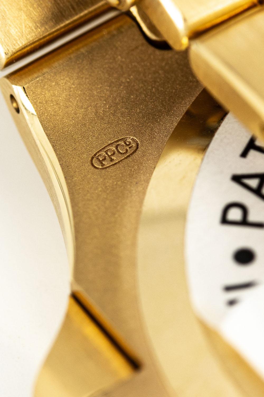 Patek Philippe Nautilus 3700-1J Yellow Gold Gubelin signed - AWCO - 4
