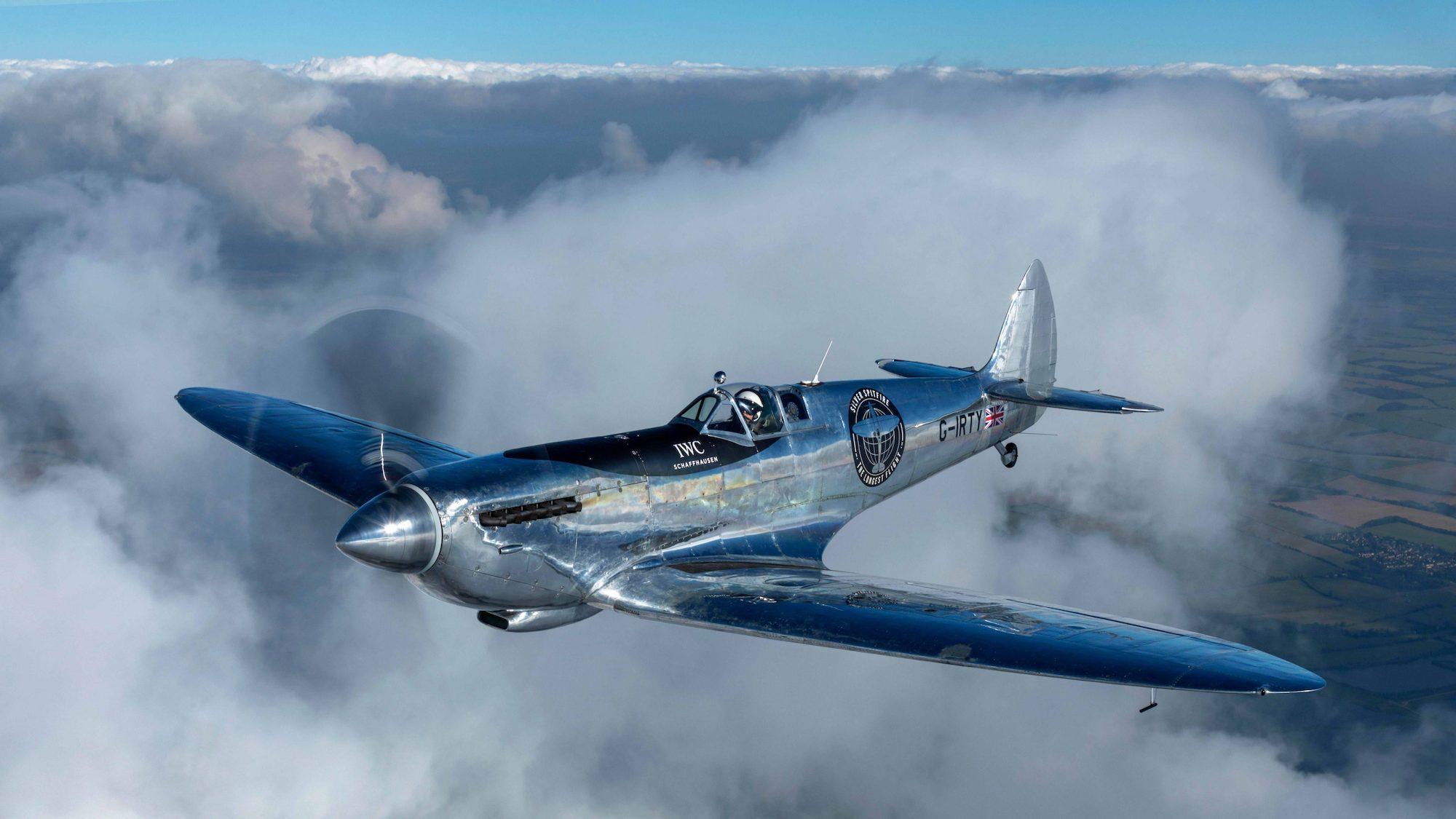 Silver Spitfire MJ271 the longest flight IWC - 1
