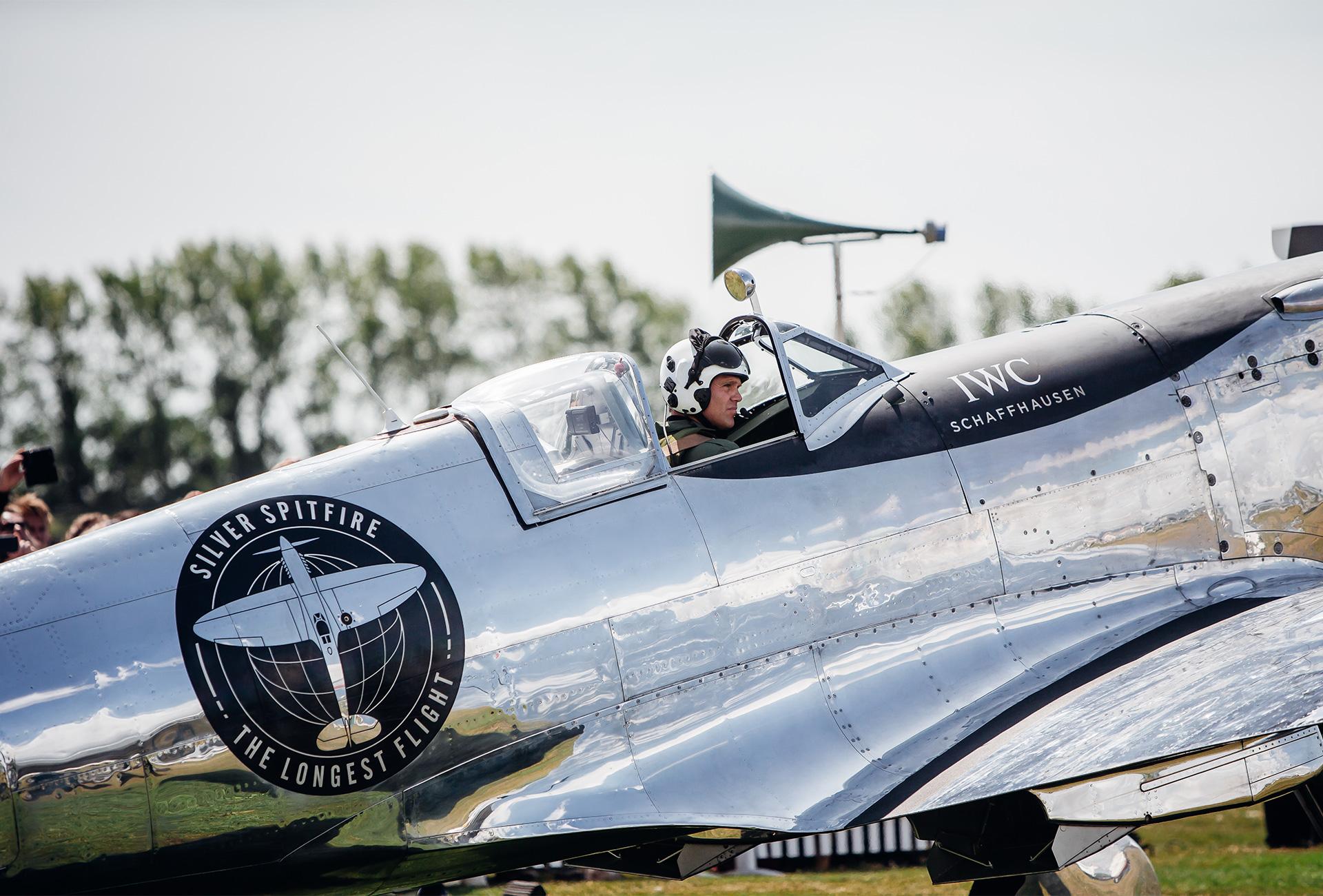 Silver Spitfire MJ271 the longest flight IWC - 2