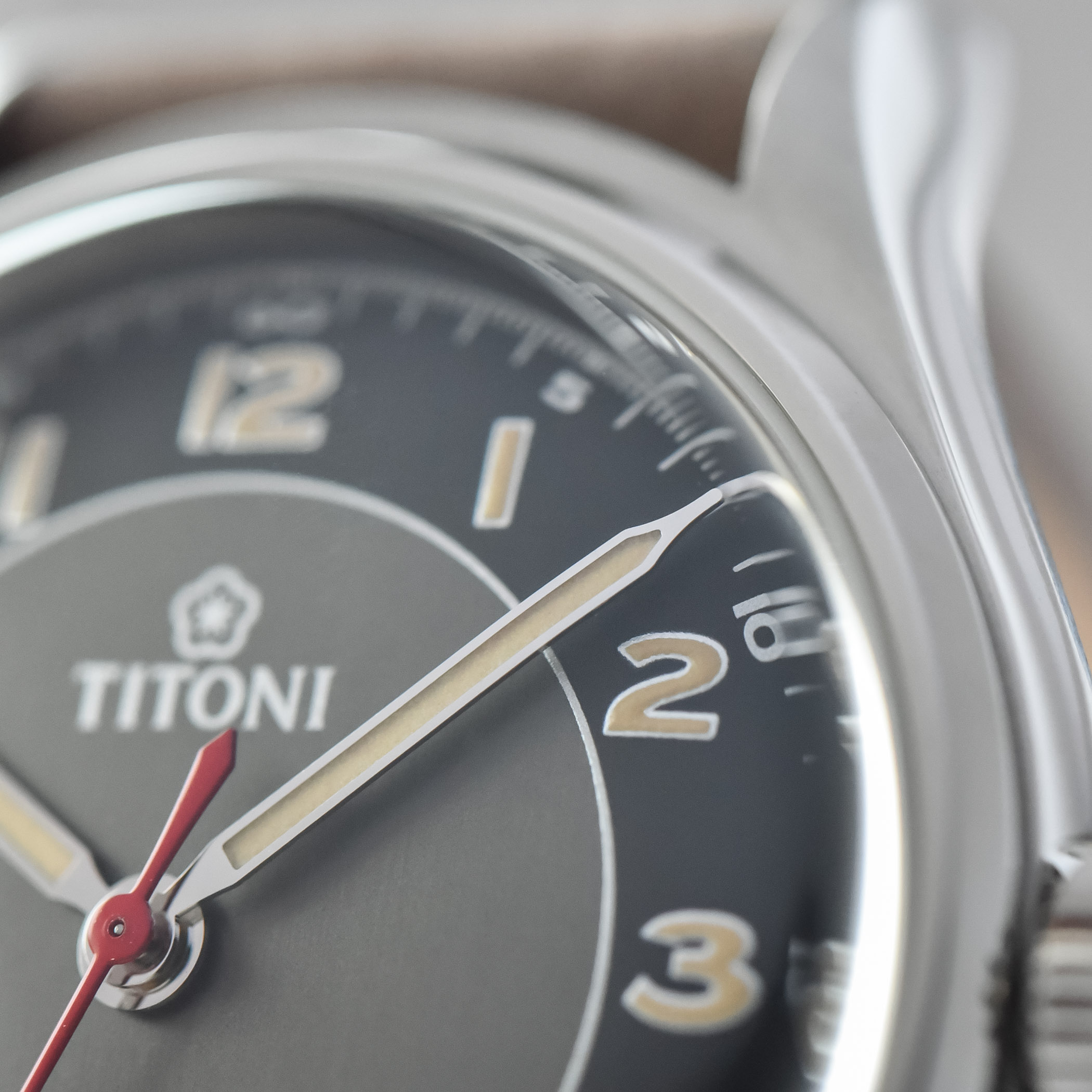 Titoni Heritage 83019