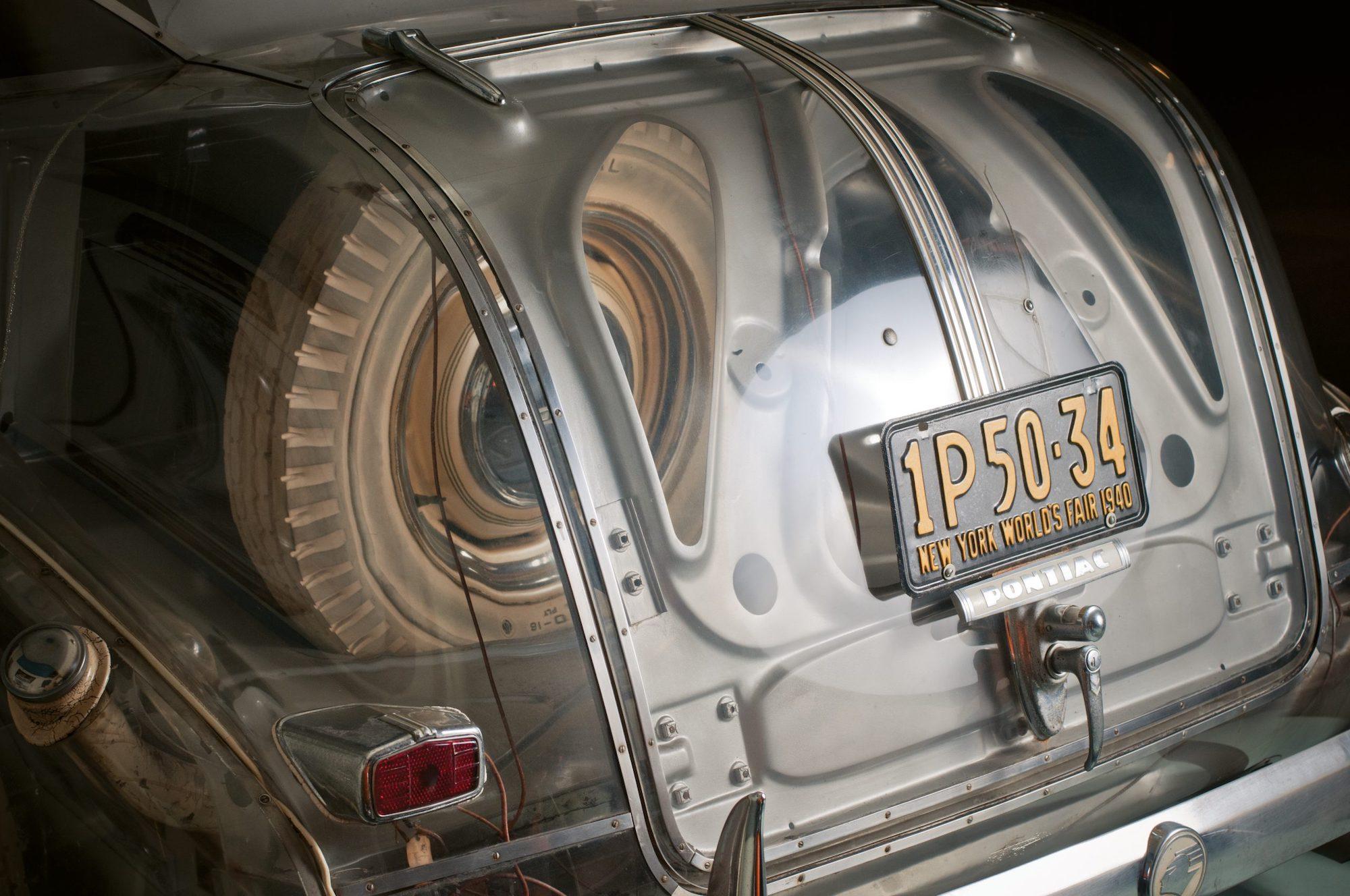 1939-Pontiac-Plexiglas-Deluxe-Six-Ghost-Car-_19-scaled