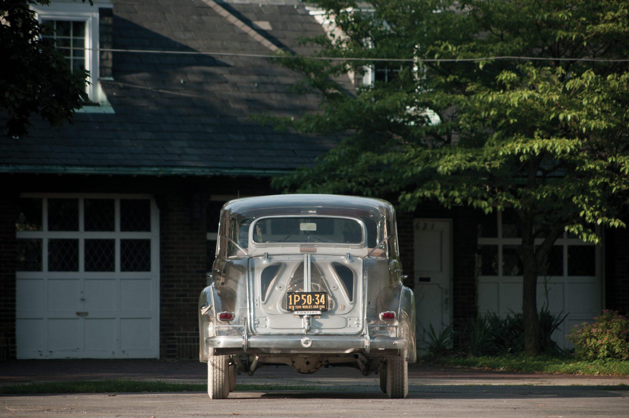 1939-Pontiac-Plexiglas-Deluxe-Six-Ghost-Car-_7-scaled