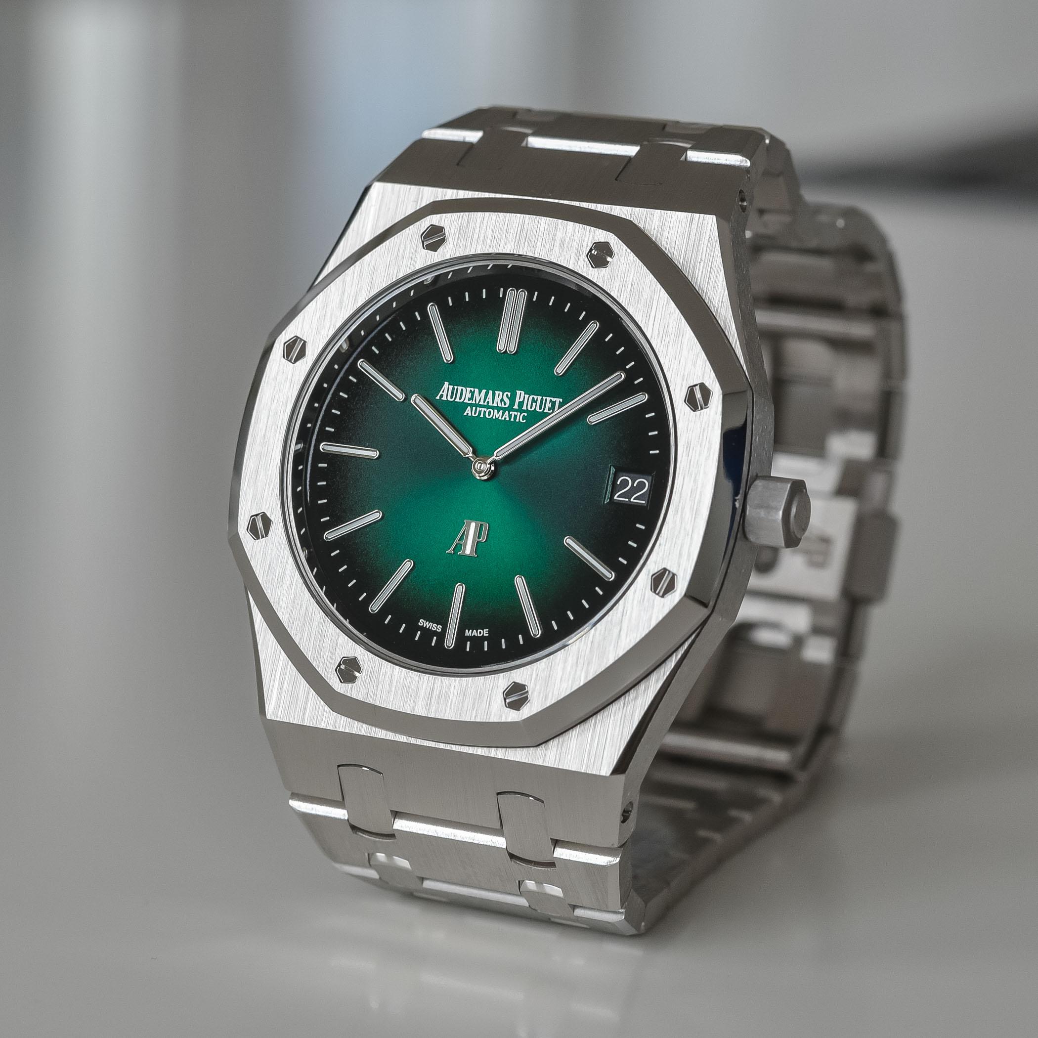 Audemars Piguet Royal Oak Jumbo Extra-Thin Platinum Smoked Green Dial 15202PT