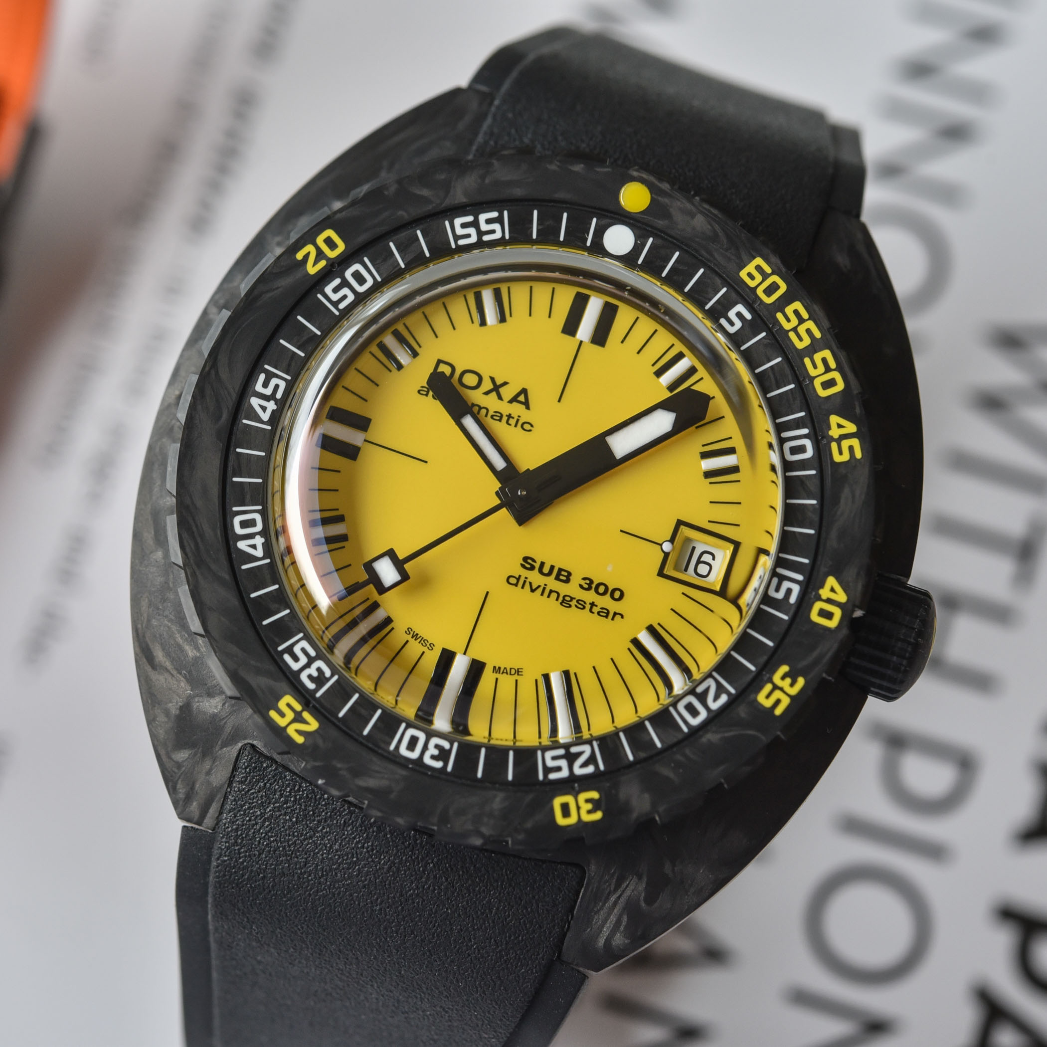 Doxa SUB 300 Carbon COSC Collection 2021