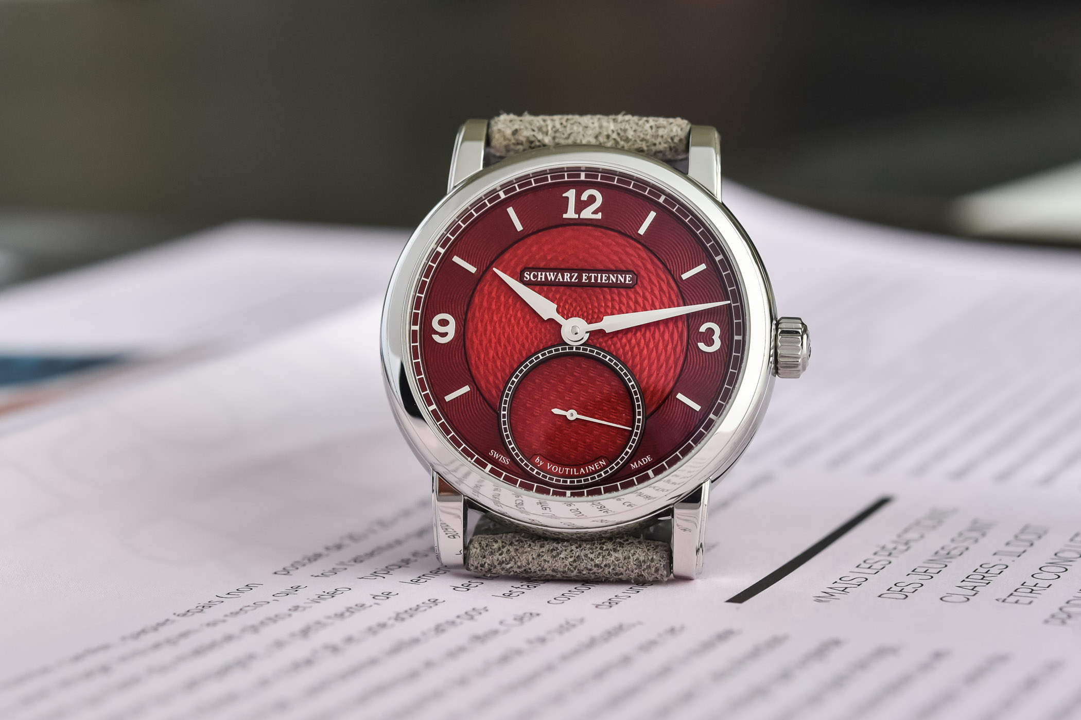Schwarz Etienne Roma Synergy by Kari Voutilainen Unique Cherry Red Dial