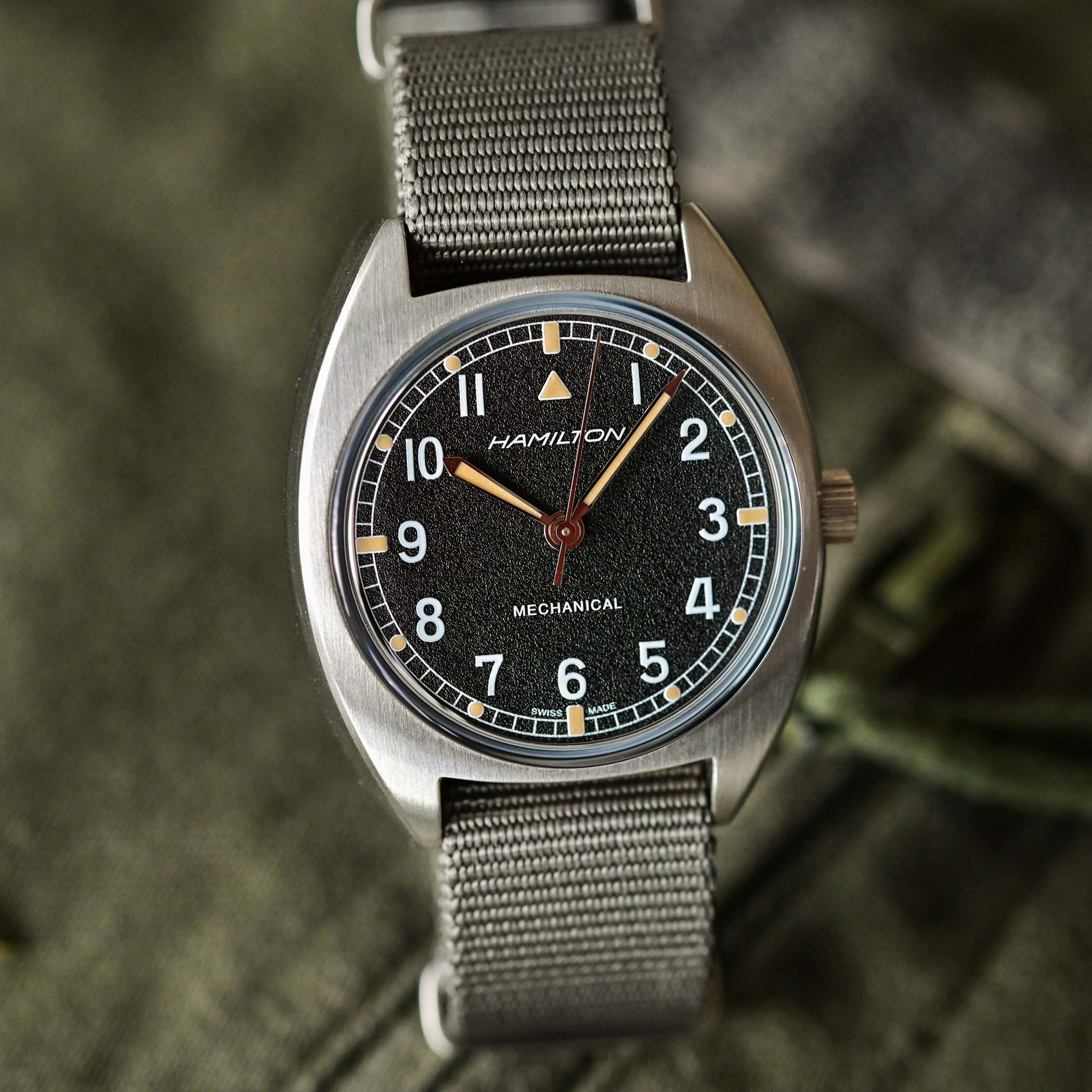battle of accessible British military-inspired watches - comparative review Hamilton Khaki Pilot Pioneer Mechanical versus Timor Heritage Field - 8