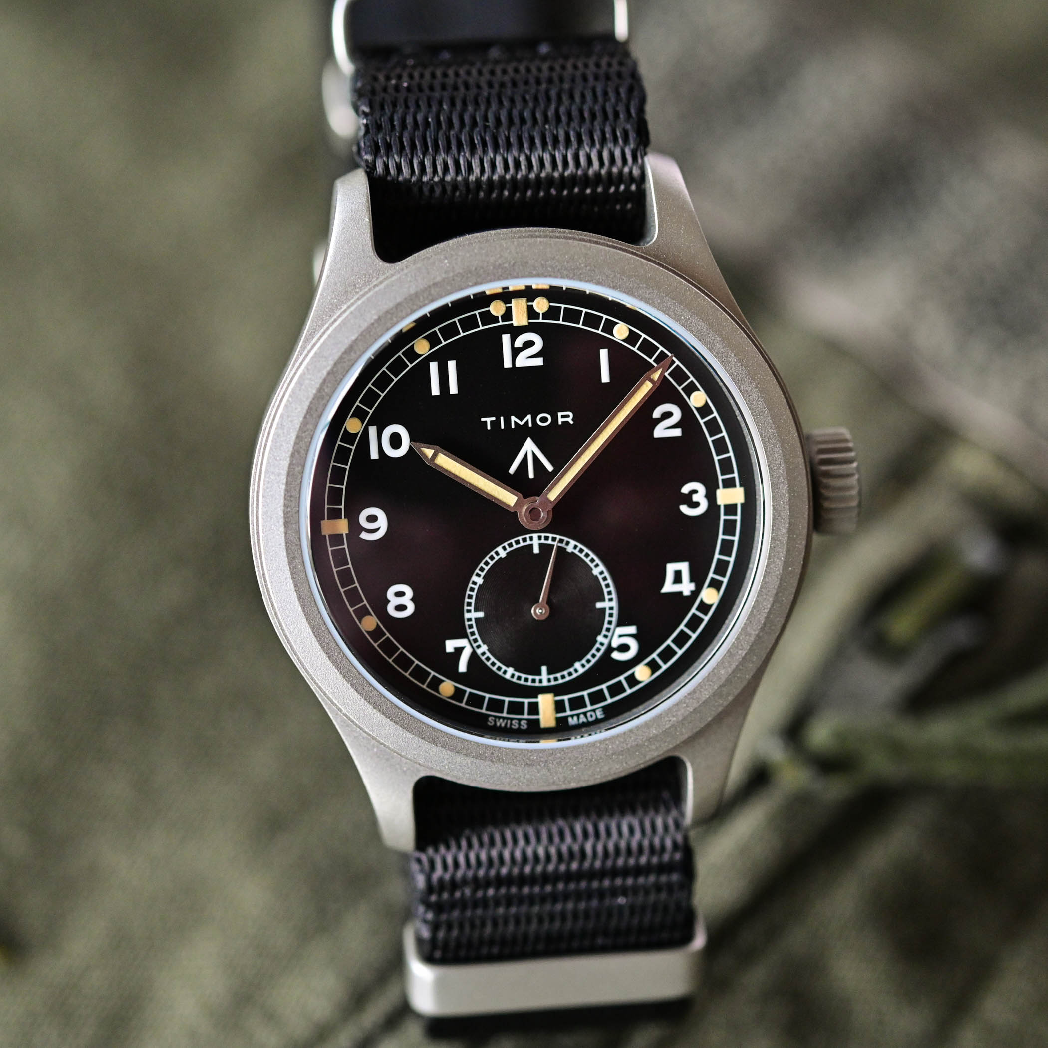 battle of accessible British military-inspired watches - comparative review Hamilton Khaki Pilot Pioneer Mechanical versus Timor Heritage Field - 9