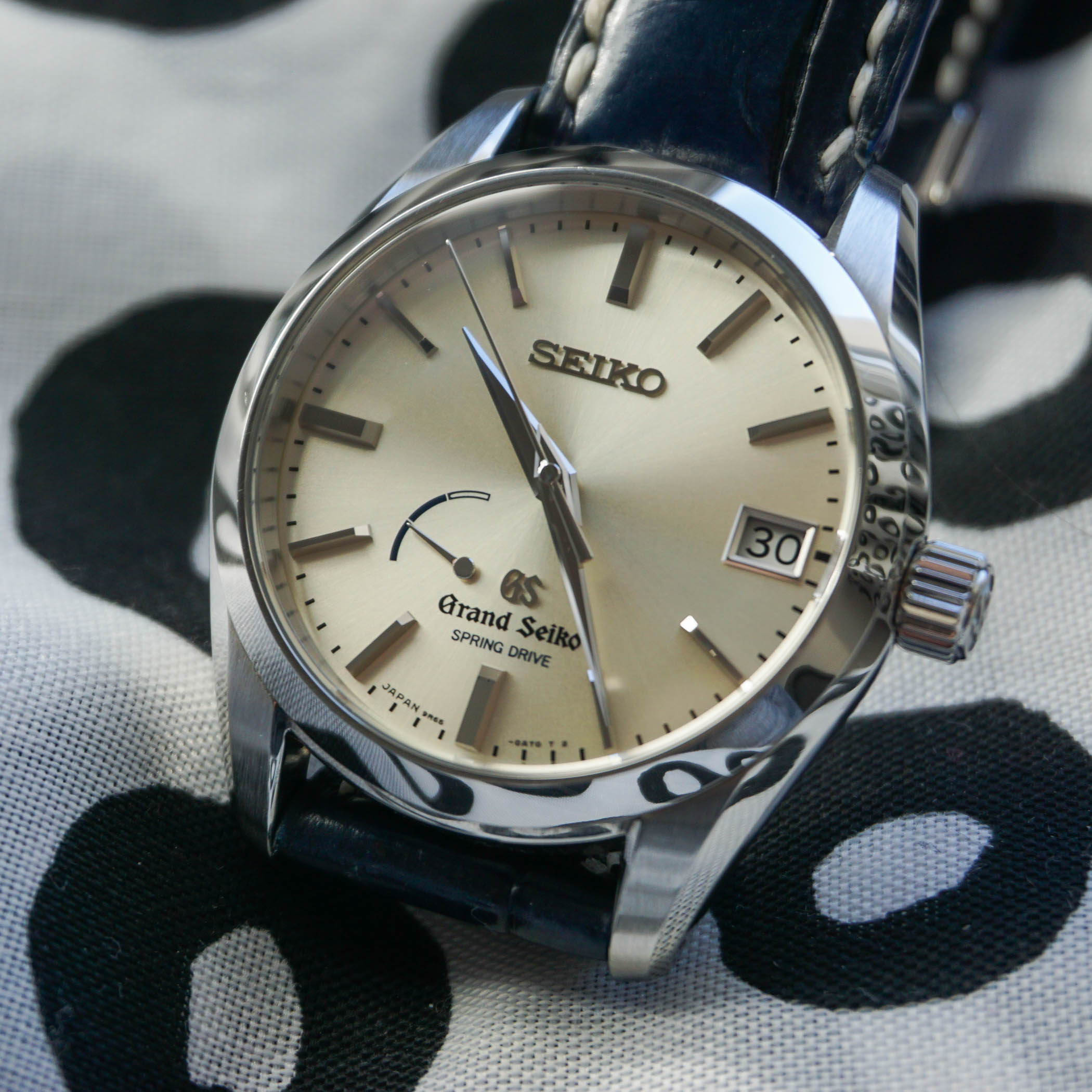 the-collectors-series-grand-seiko-spring-drive-sbga083-10