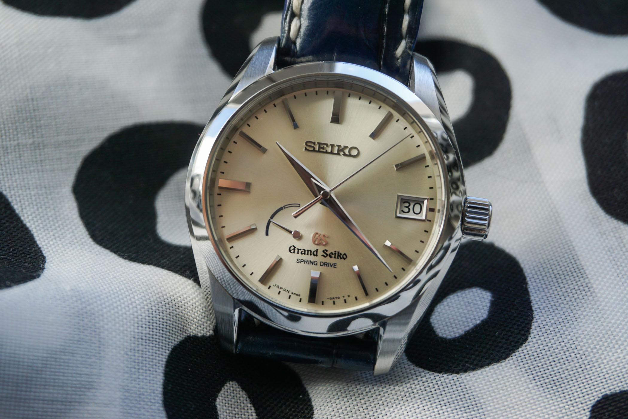 the-collectors-series-grand-seiko-spring-drive-sbga083-11