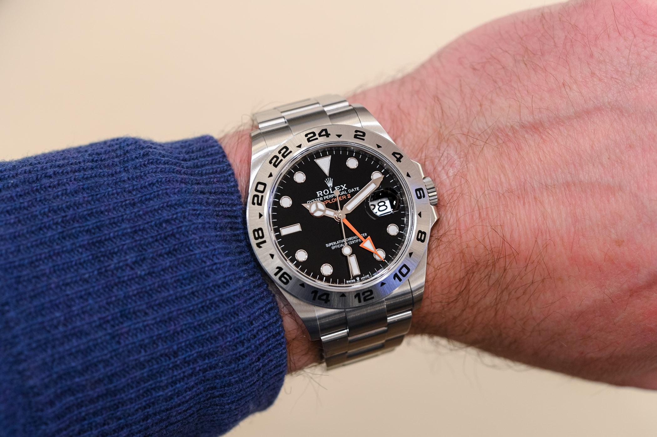 2021 Rolex Explorer II 226570 black - hands-on - 3