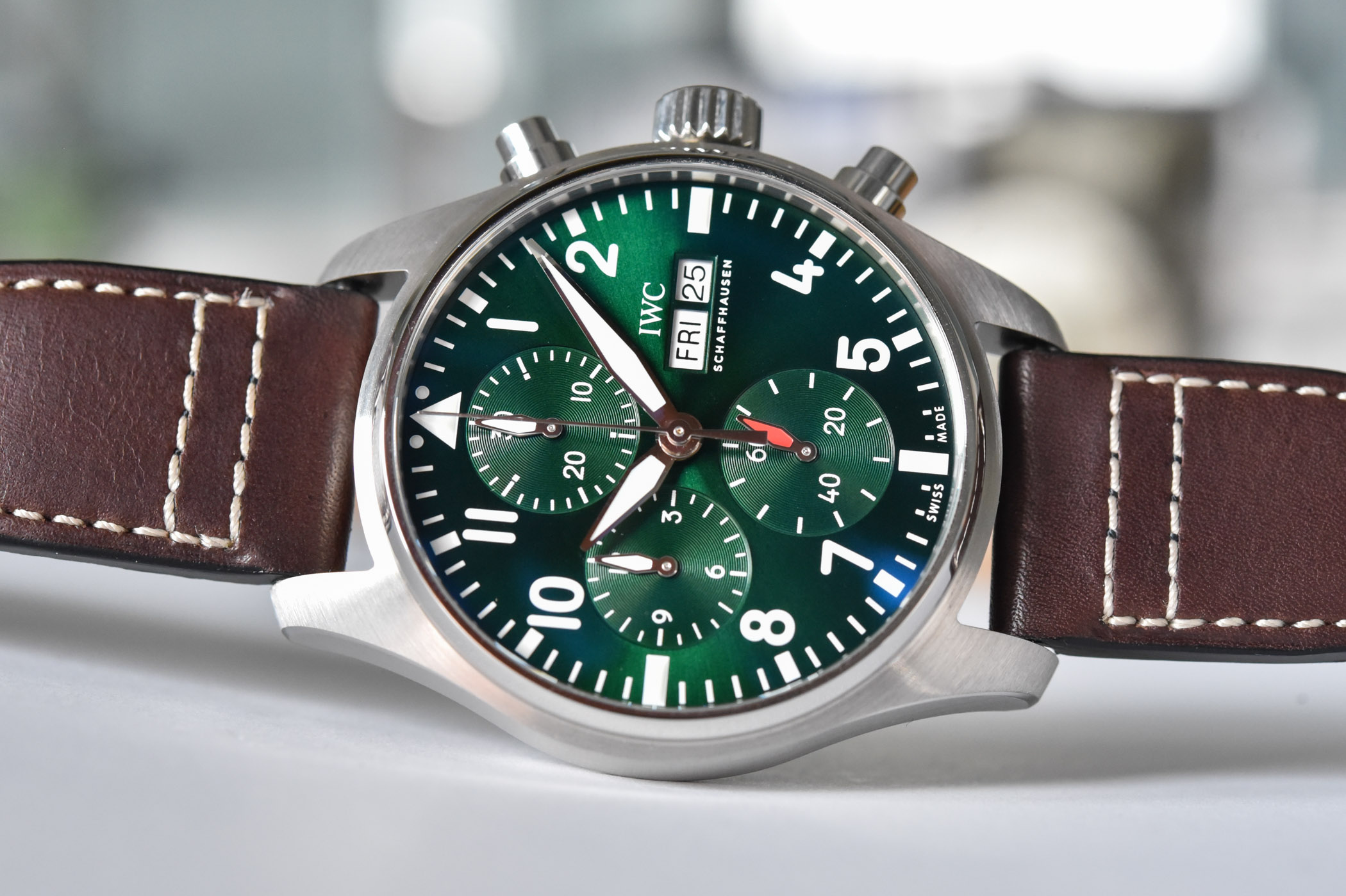 IWC Pilot's Watch Chronograph 41 - IW3881 - review video - 11
