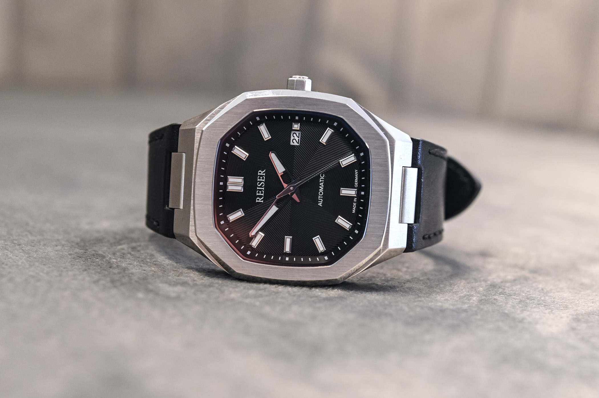 Reiser Alpen Date Watch - value proposition hands-on - 9