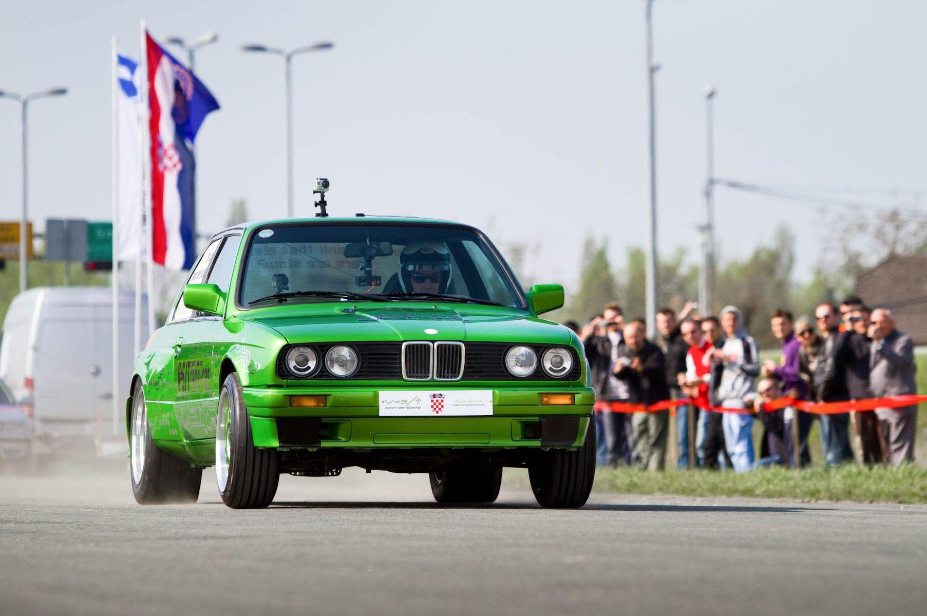 Rimac BMW M3 E30 Electric - 2