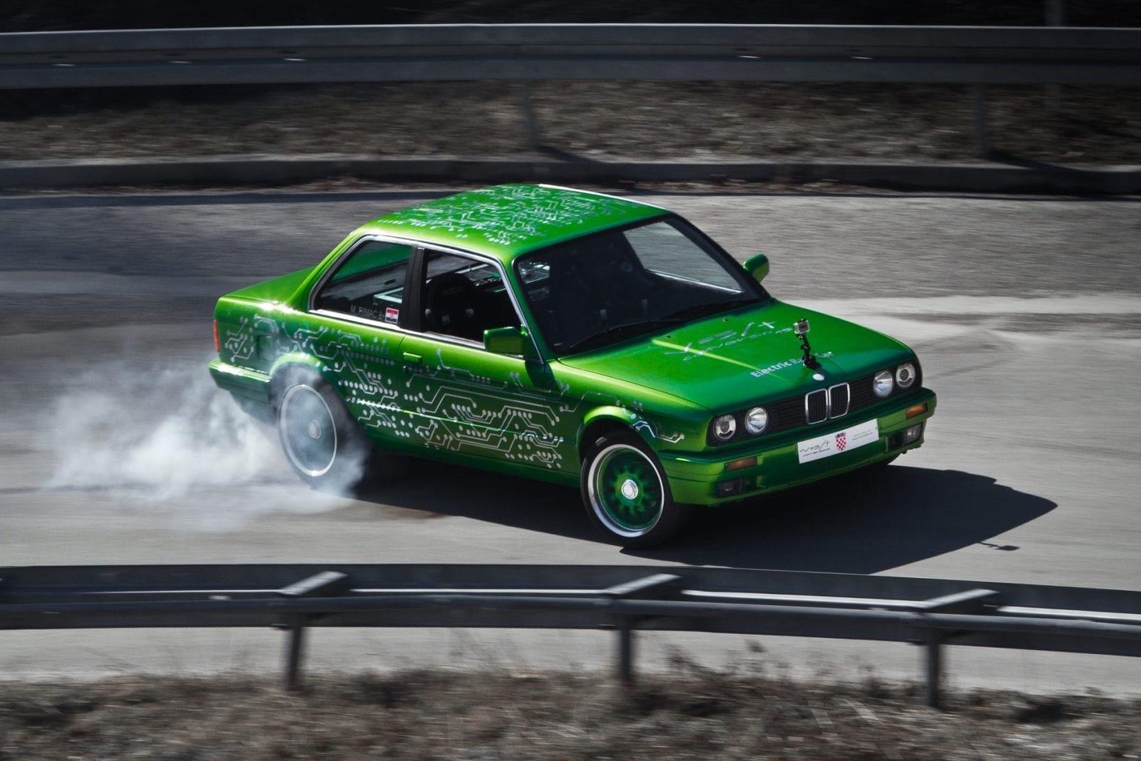 Rimac BMW M3 E30 Electric - 3