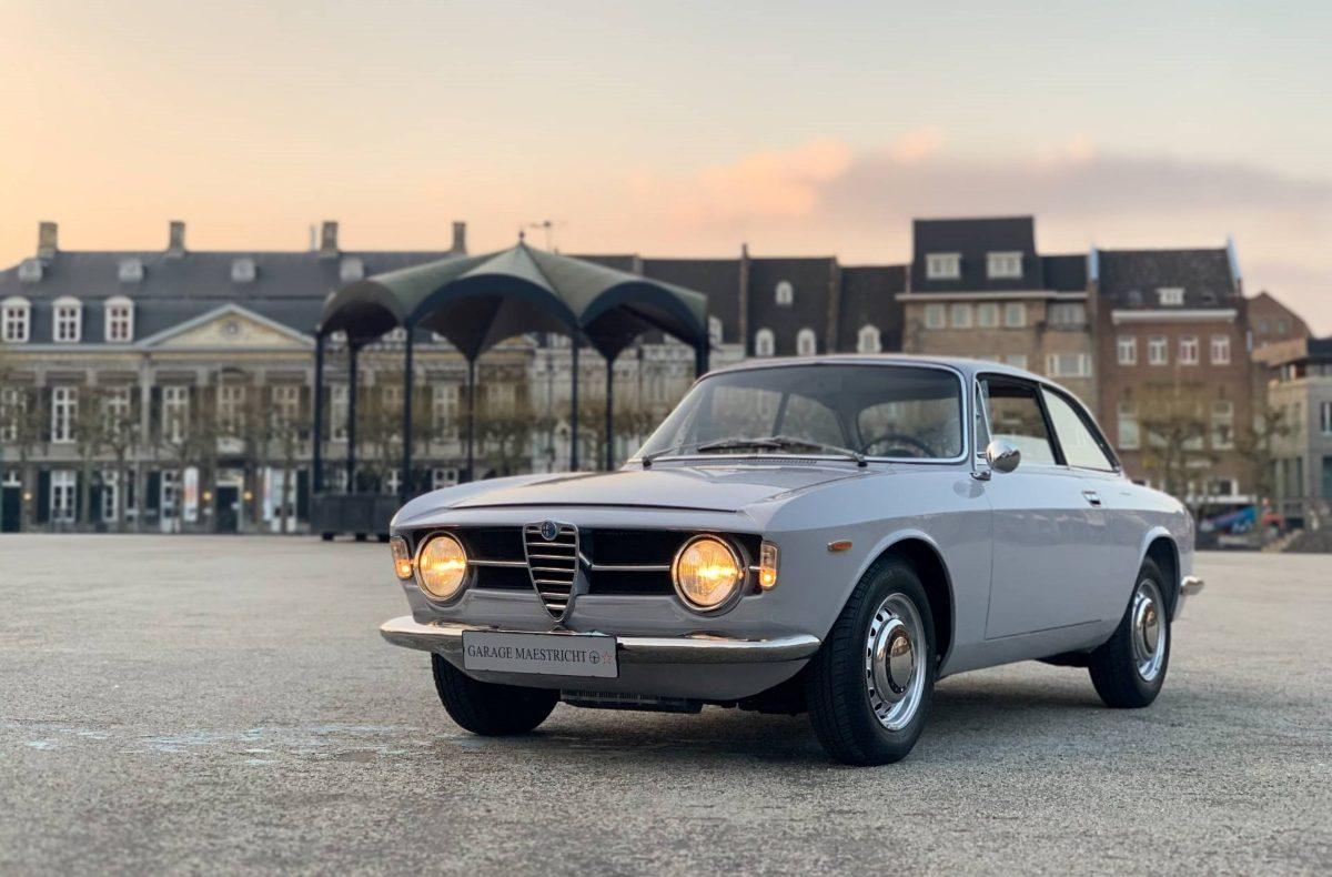 Alfa-Romeo-Giulia-GT-1300-Junior-1970-Bertone-4-1200x790