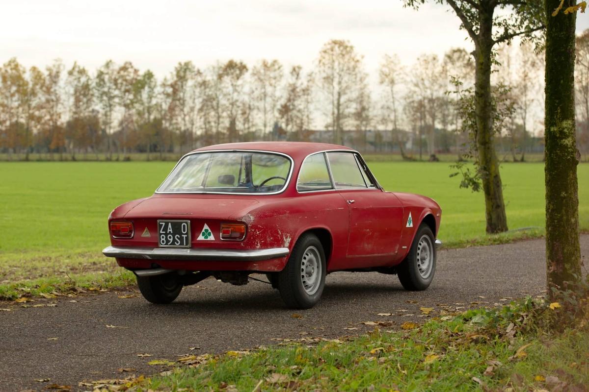 Alfa-Romeo-Giulia-Sprint-GTA-1965-Bertone-6