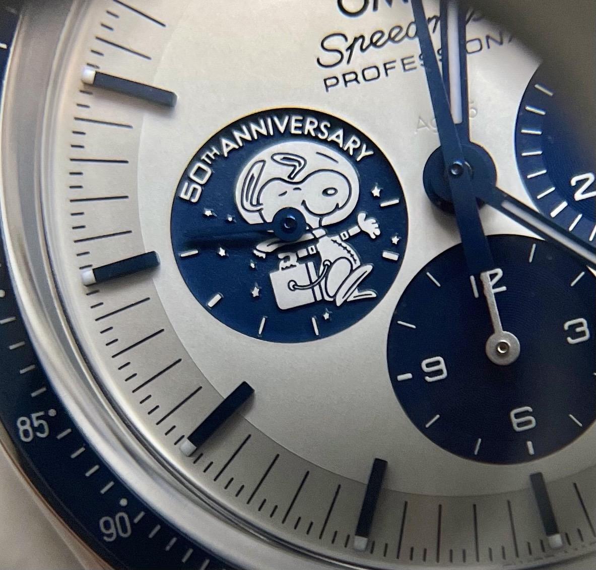 Collectors Series Omega Speedmaster Silver Snoopy Award