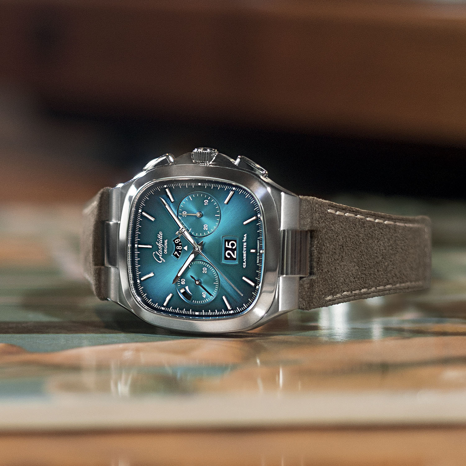Glashutte Original Seventies Chronograph Panorama Date 2021 Limited Editions bright turquoise gradient - 1