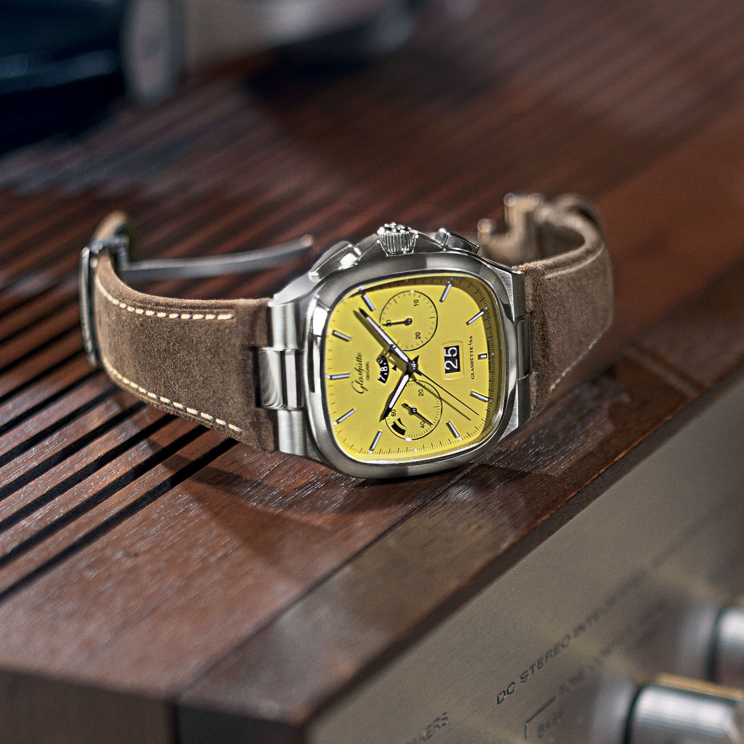 Glashutte Original Seventies Chronograph Panorama Date 2021 Limited Editions sunny yellow - 1