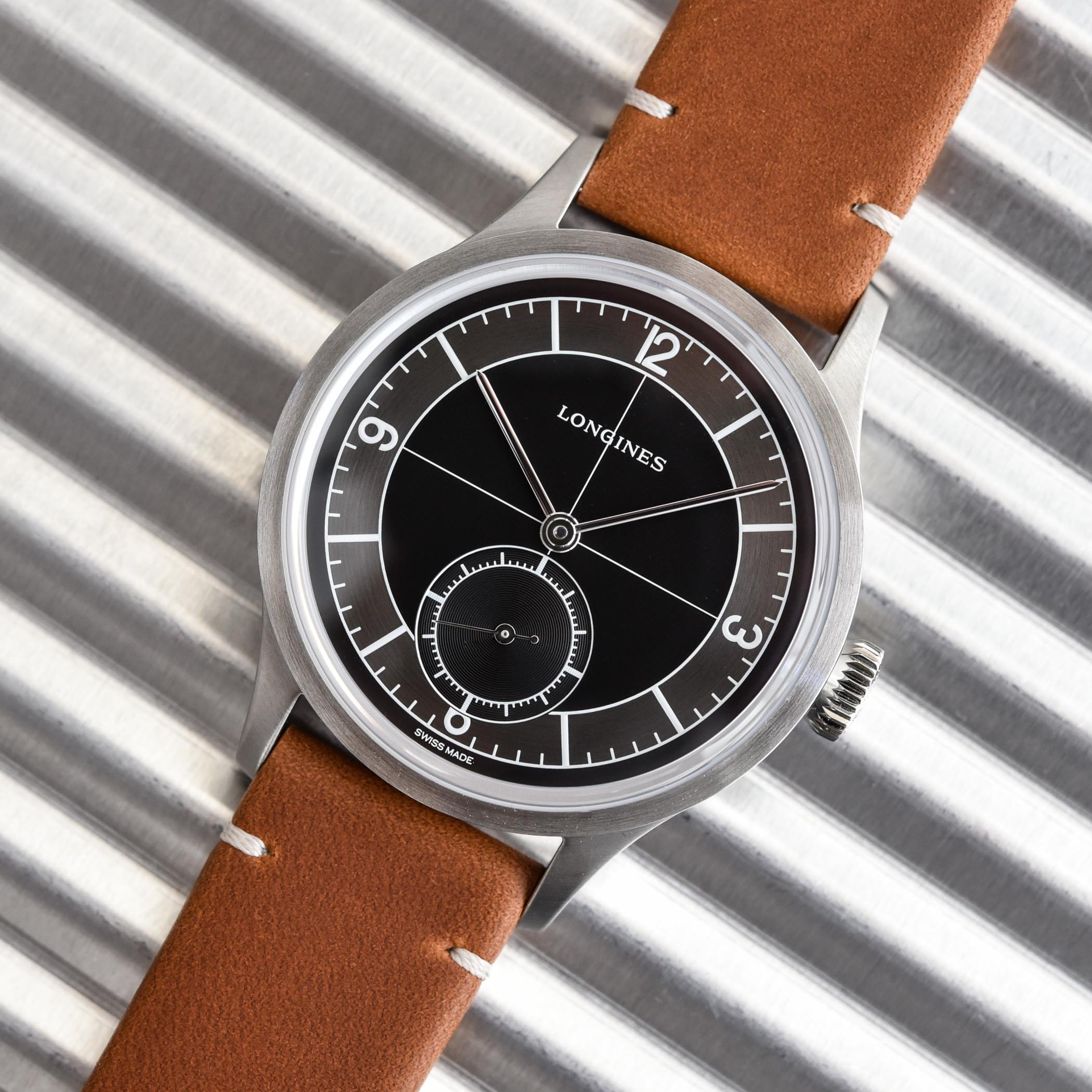 Longines Heritage Classic Sector Dial Black L2.828.4.53.6 - hands-on review - 4