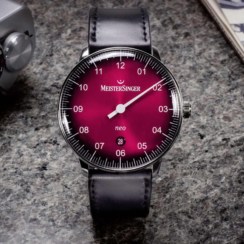 Meistersinger Neo 36 Neo 40 Bordeaux red gradient dial