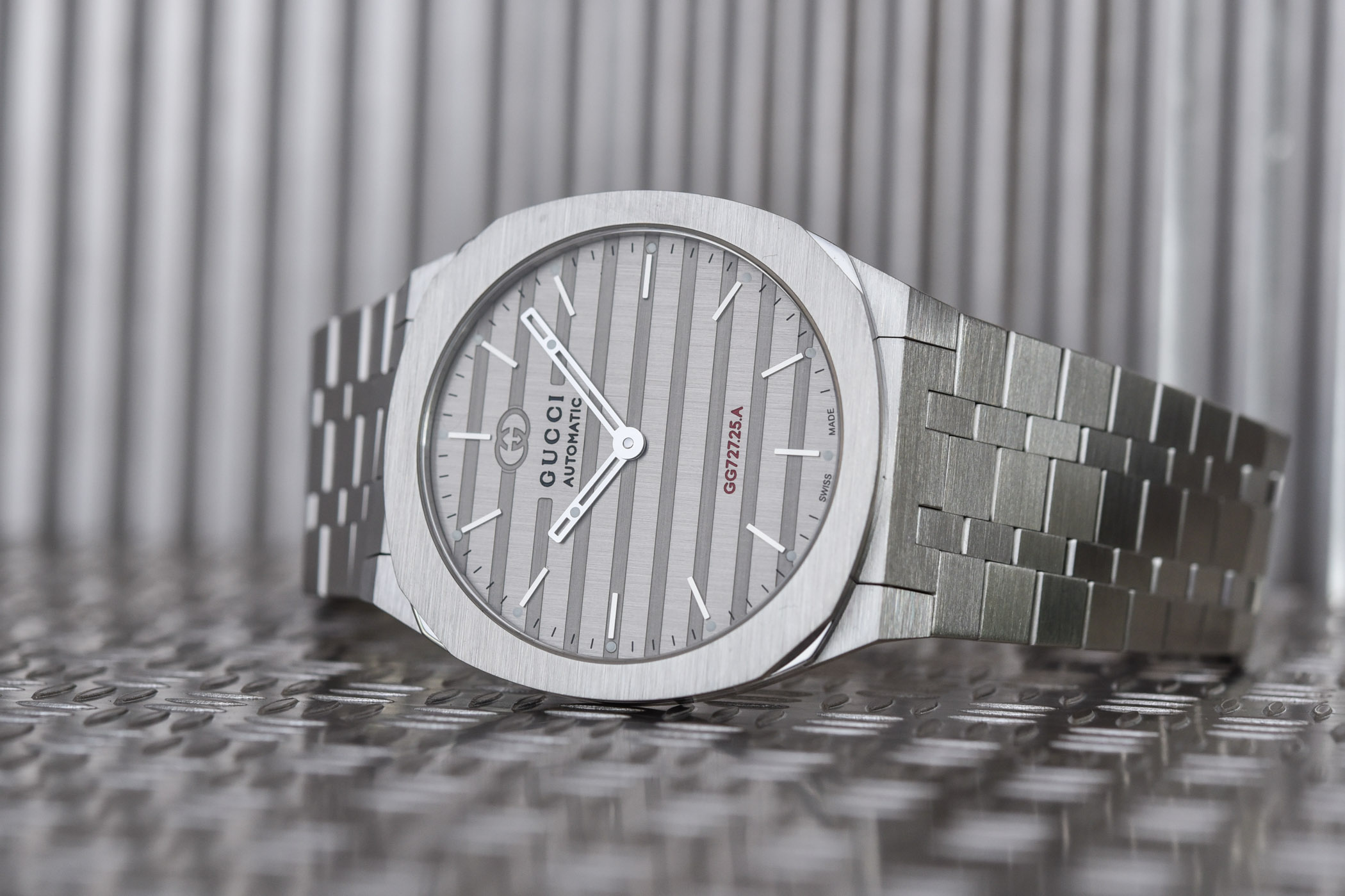 Gucci 25H collection luxury watchmaking proprietary movements
