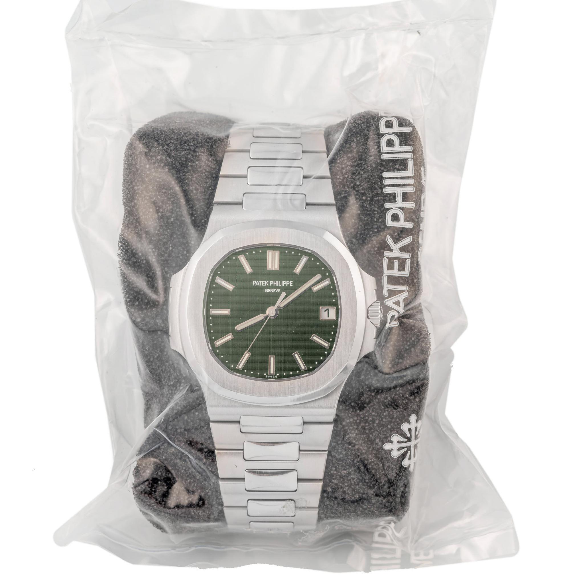 Antiquorum auction Patek Philippe Nautilus Green 5711-1A-014 - 5