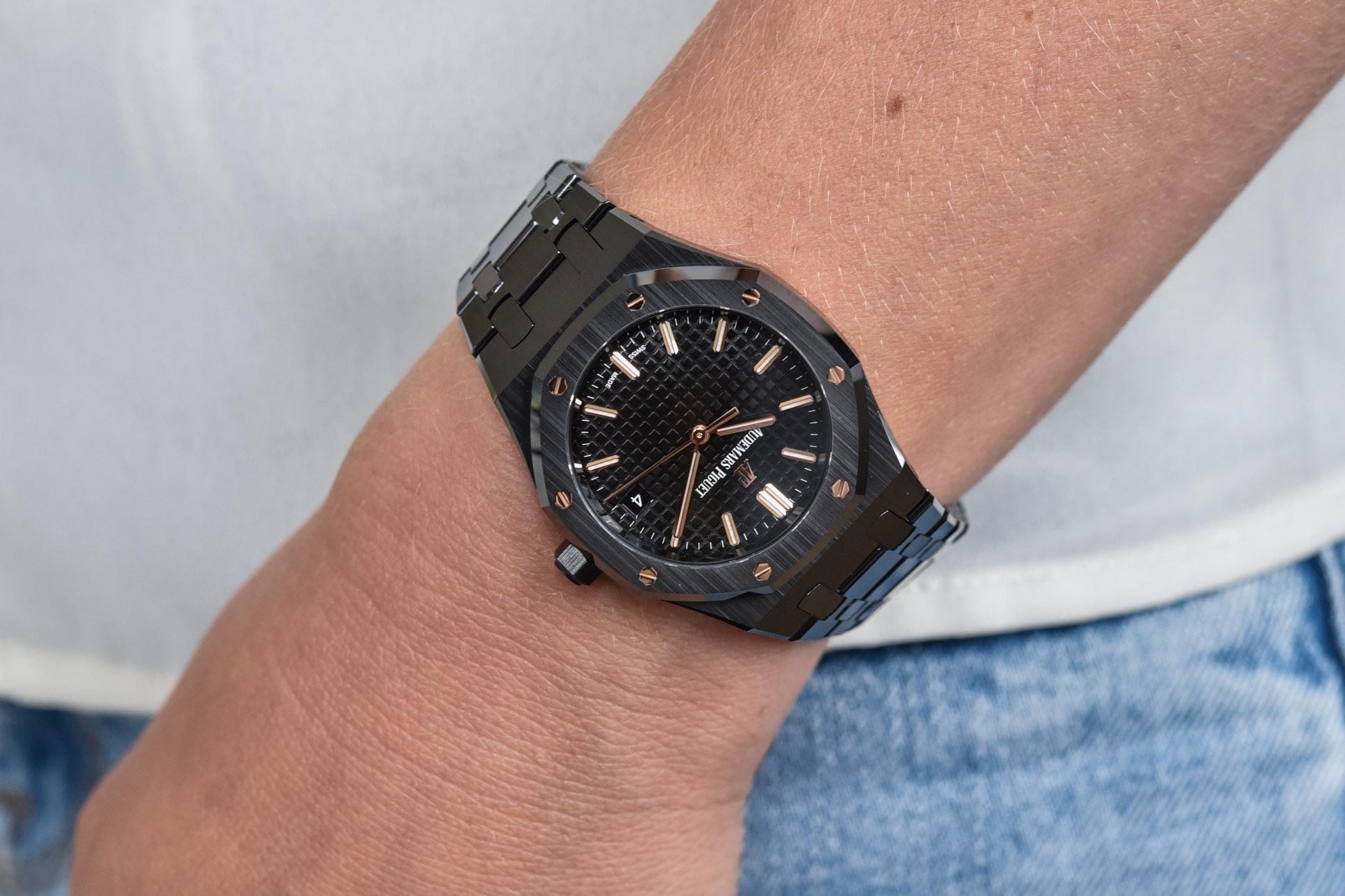 Audemars Piguet Royal Oak Selfwinding 34mm black Ceramic - 77350CE.OO.1266CE.01