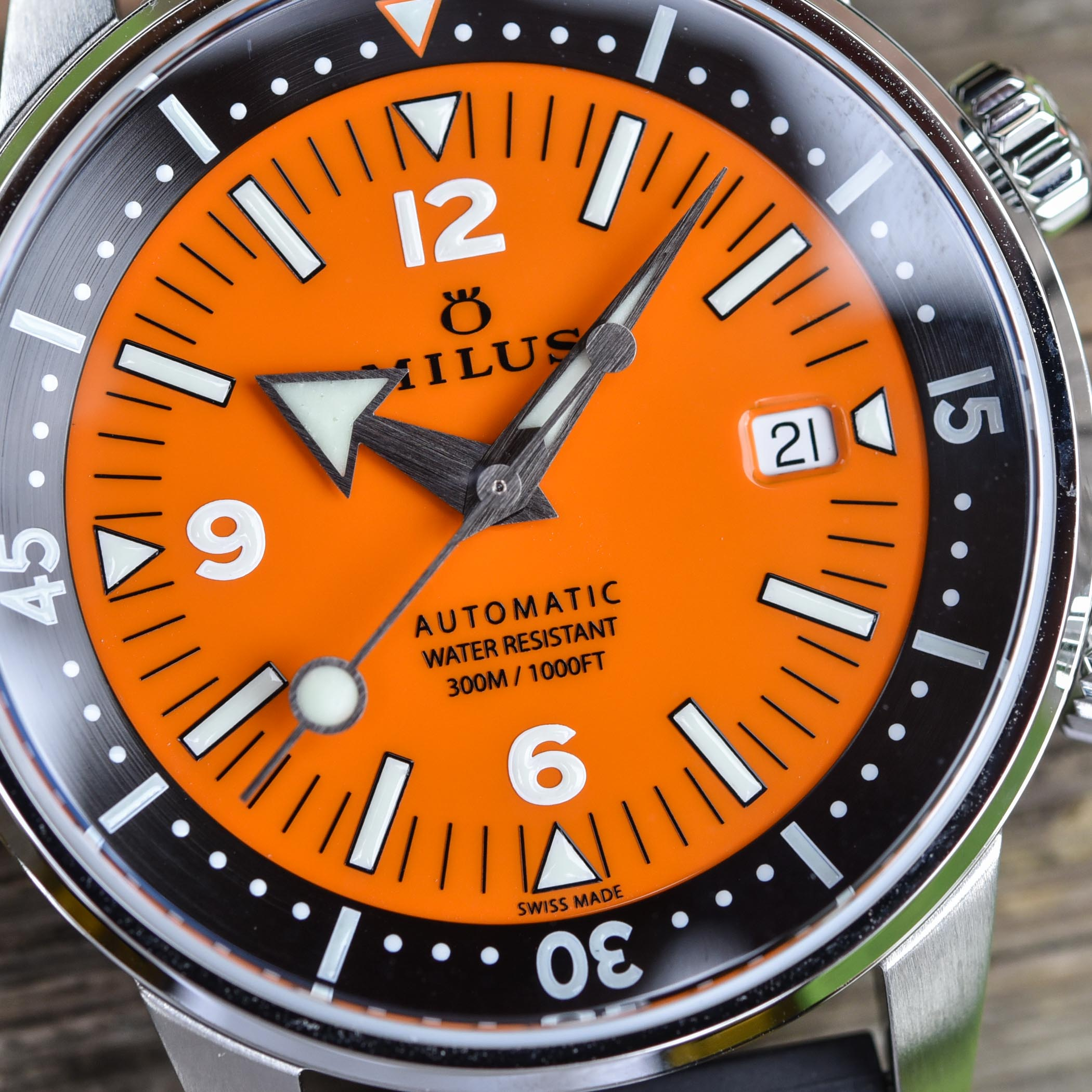 Milus Archimedes Orange Coral edition - super-compressor dive watch - 7