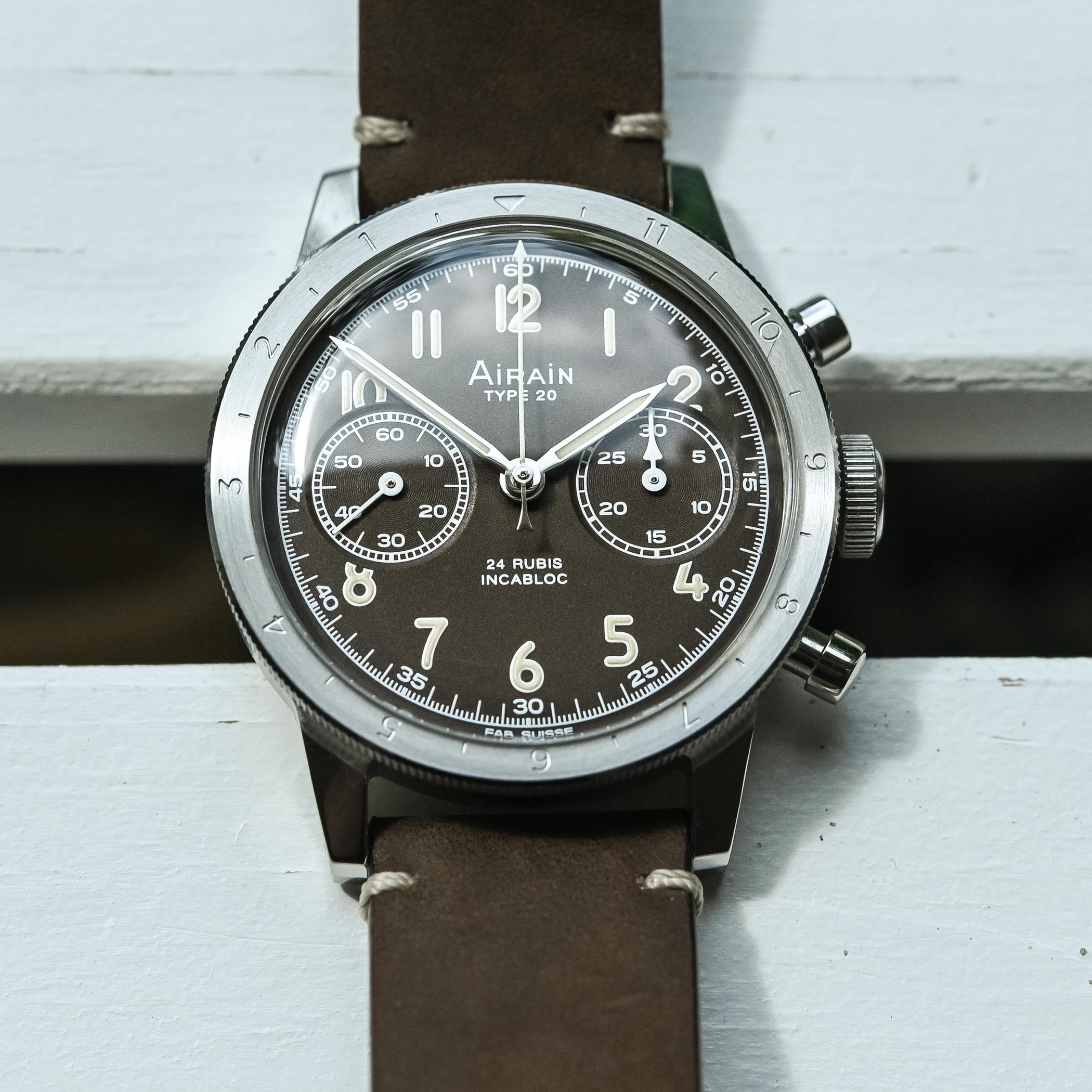 Airain Type 20 Re-Edition Limited Edition Brown Flyback Chronograph - hands-on - 5