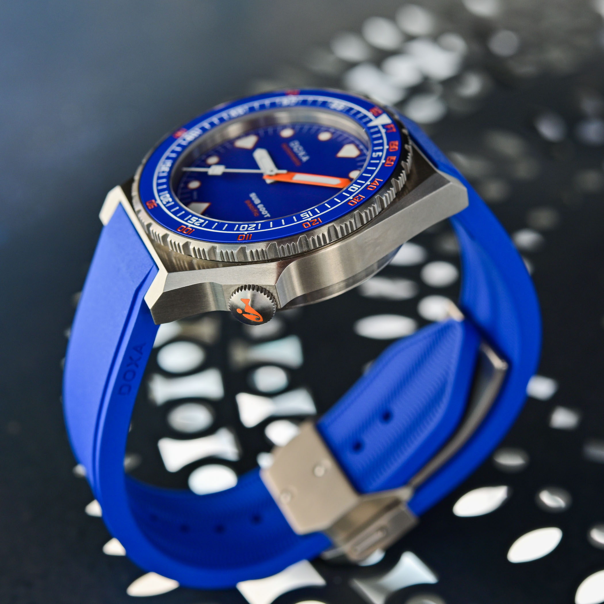 Doxa SUB 600T Pacific Limited Edition - review - 7