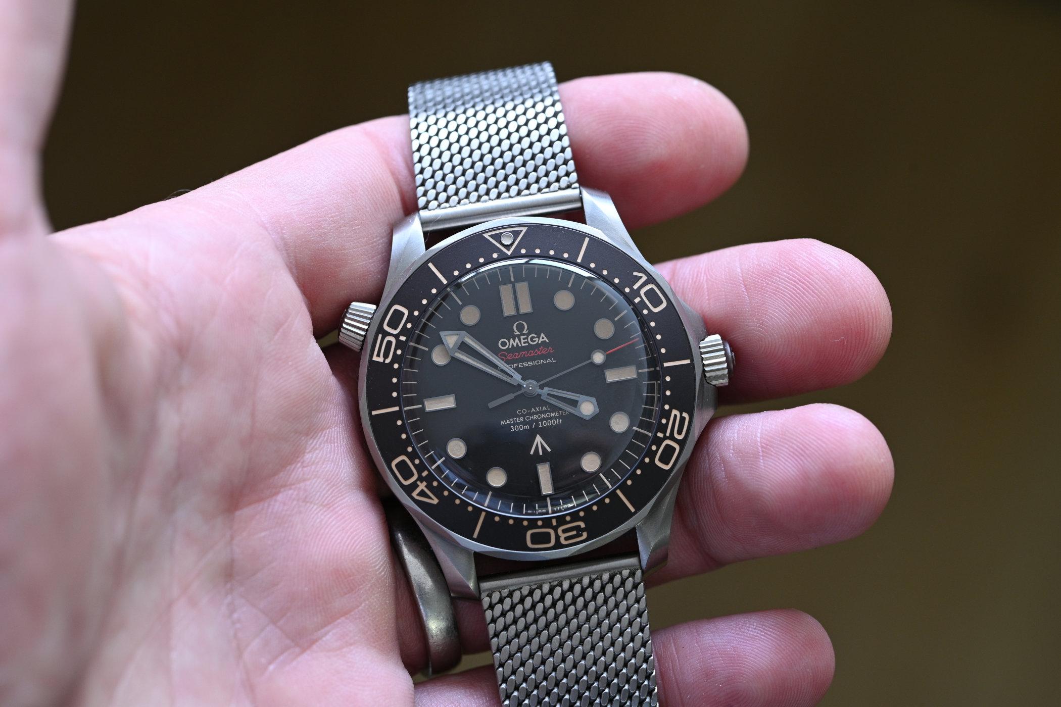 Omega Seamaster Diver 300M 007 Edition 11