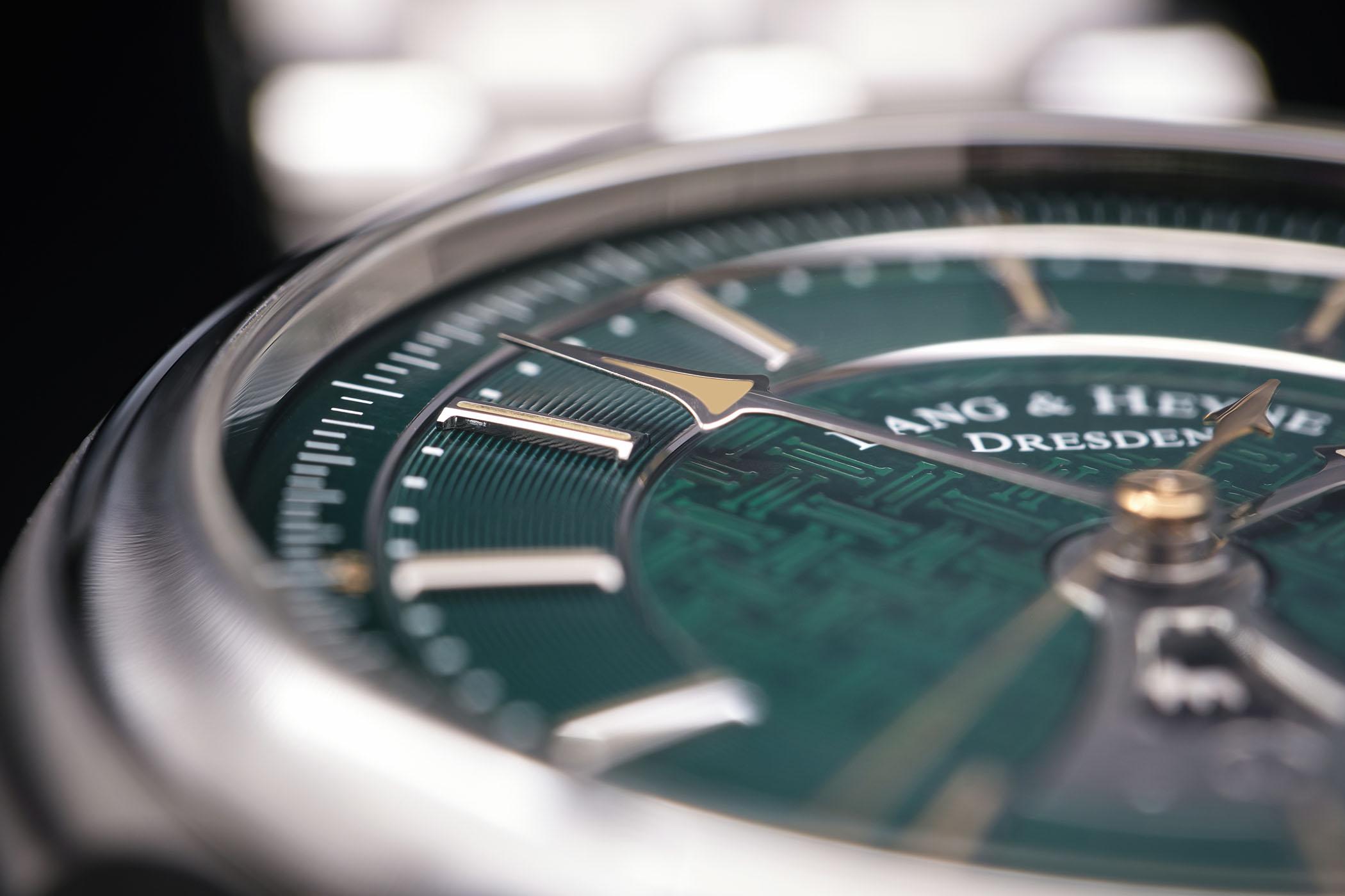 Lang & Heyne Hektor Sports Watch With Integrated Bracelet